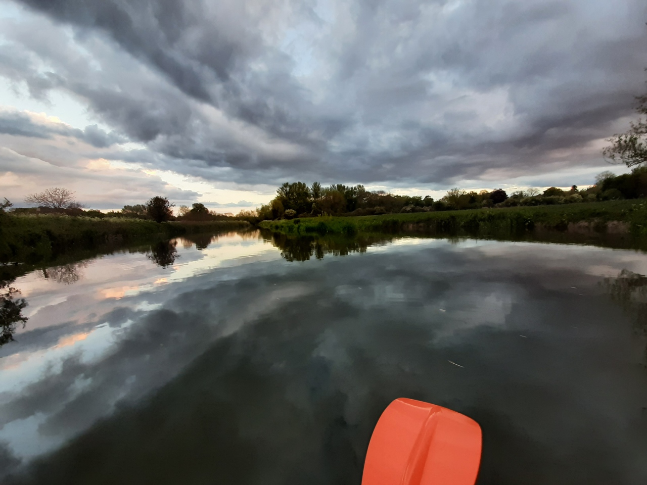 Evening kayak trip from Midsummer Common to the Byron'sPool